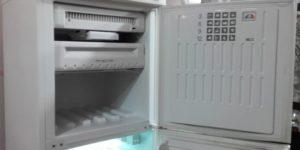 Причины почему в холодильнике Стинол не морозит верхняя камера