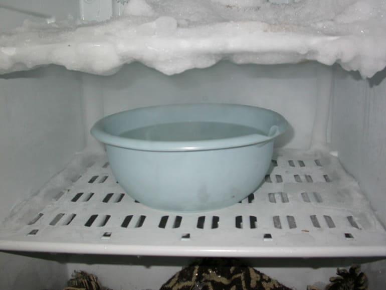 Как быстро разморозить морозильную камеру холодильника