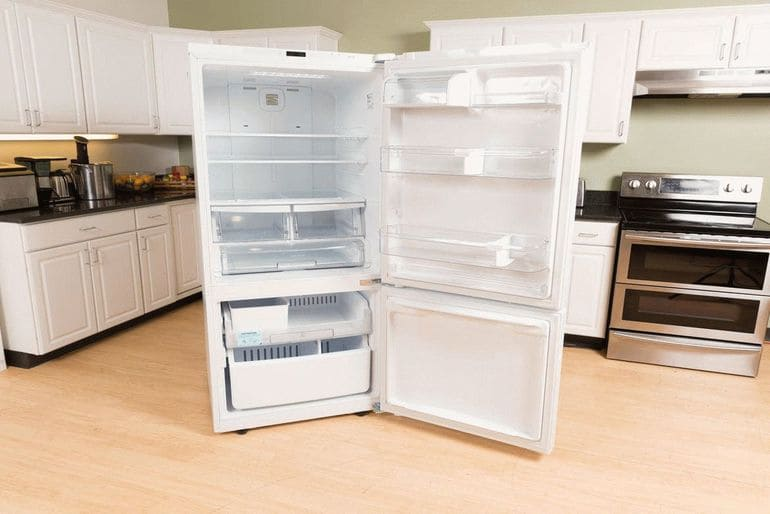 Что делать если холодильник сильно морозит