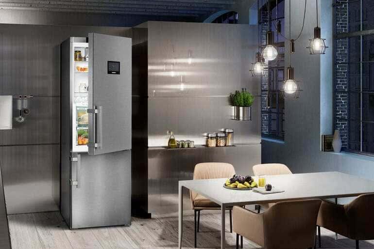 Холодильник Samsung двухкамерный No Frost с сухой заморозкой и морозильной камерой