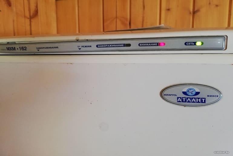 Почему горит красная лампочка в холодильнике Atlant