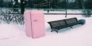 Можно ли включать холодильник на морозе или в неотапливаемом помещении при минусовой температуре