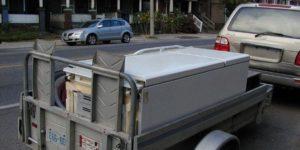 Можно ли перевозить холодильник лежа в машине на дальнее расстояние без упаковки