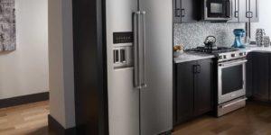 Почему стенки холодильника горячие: когда нужно вызывать мастера